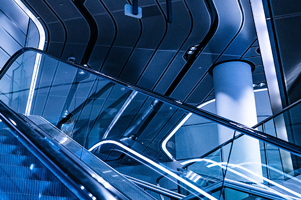 escaleras-mecanicas-embarba-ascensores-centro-comerciales-aeropuertos-3