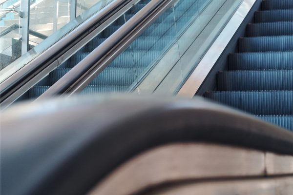 escaleras-mecanicas-embarba-ascensores-centro-comerciales-aeropuertos-5