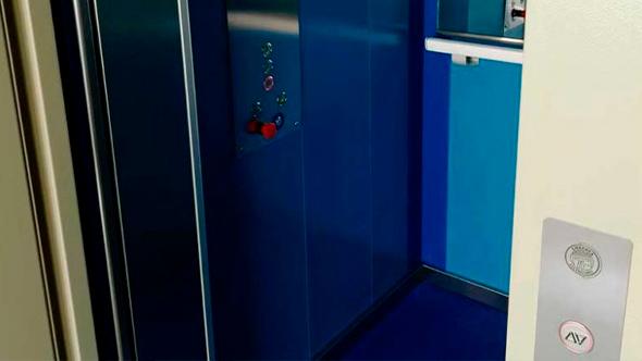 instalación-de-ascensores-cabina-modelos-embarba-ascensores-evp