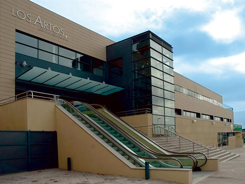 Referencias-ascensores-embarba-instalaciones- cc-los arcos-madrid