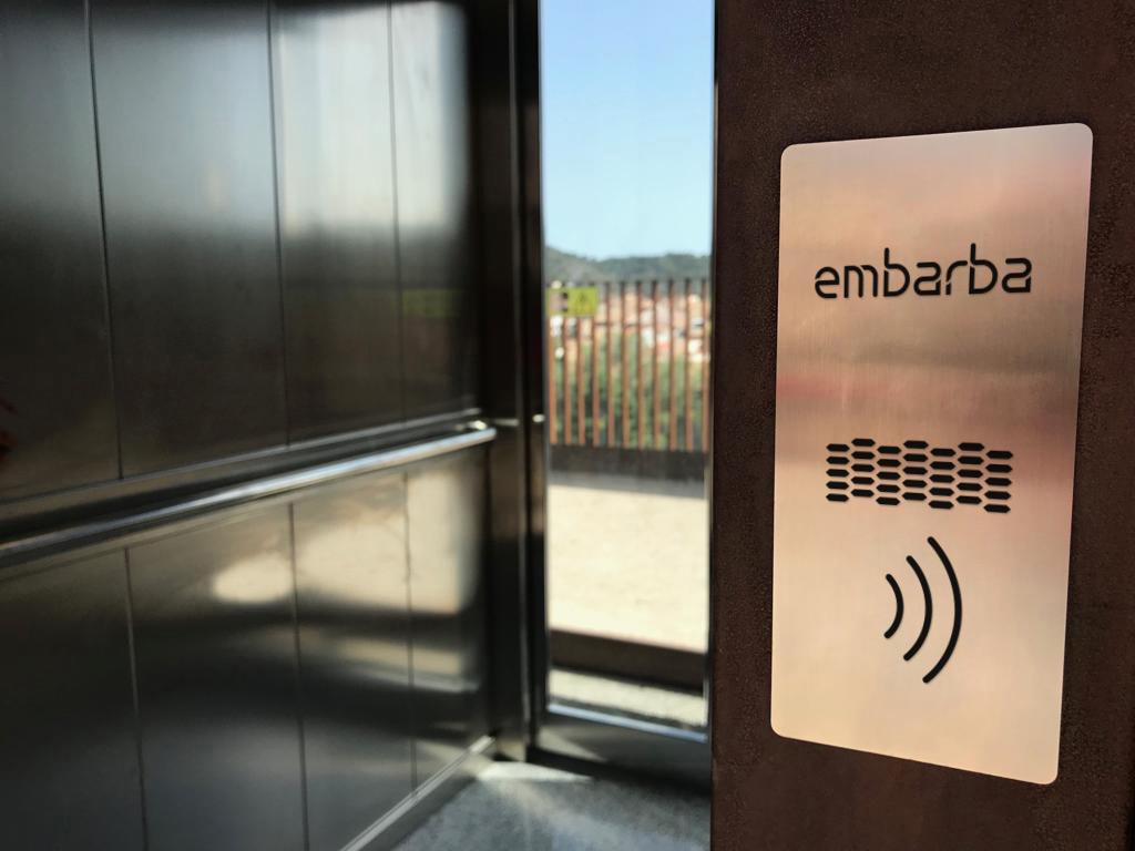 embarba-ascensores-ascensor-barcelona-botonera-contactless-sin-contacto-1