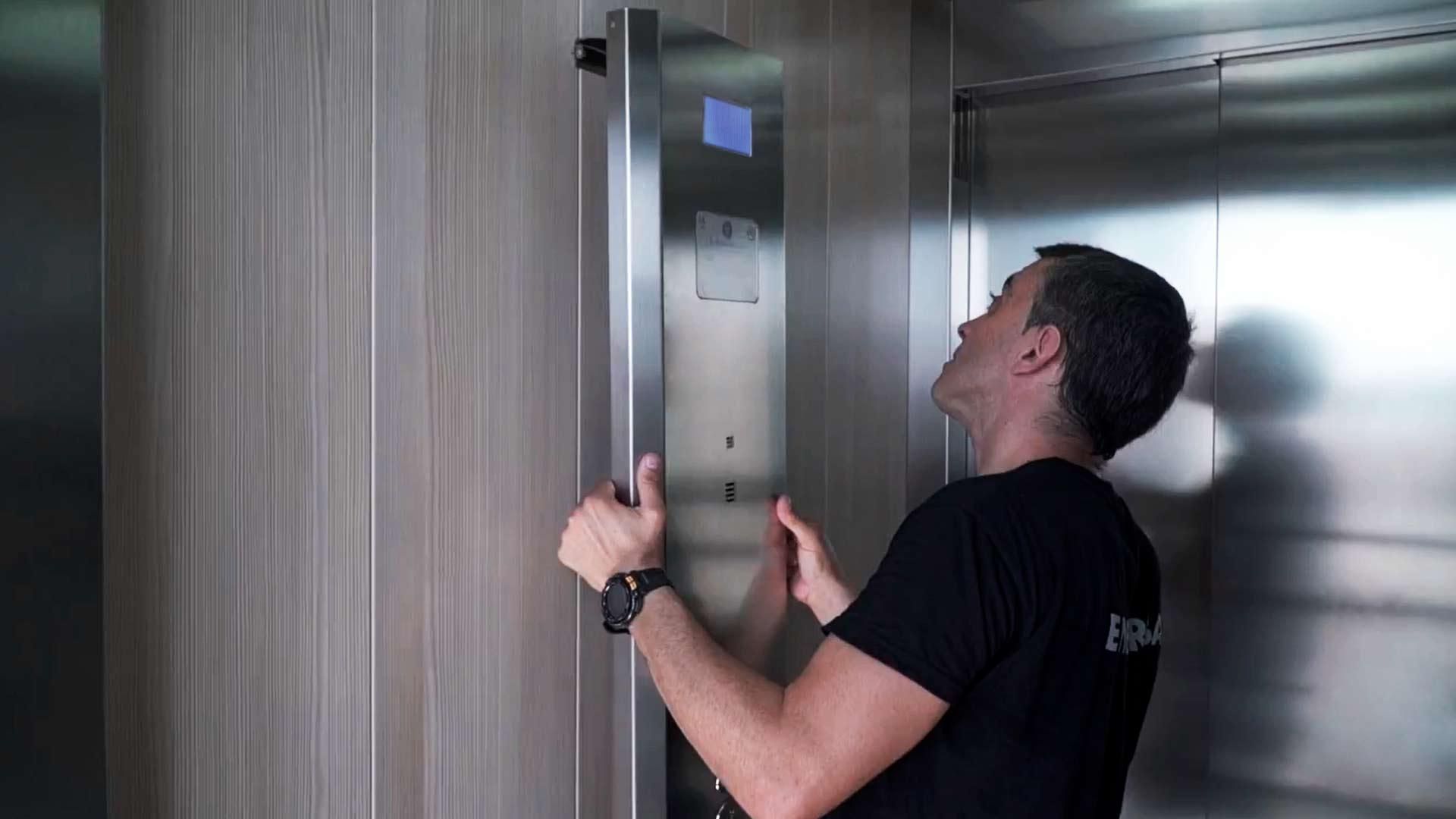 modernización-ascensores-actualización-elevadores-embarba-instalación-1