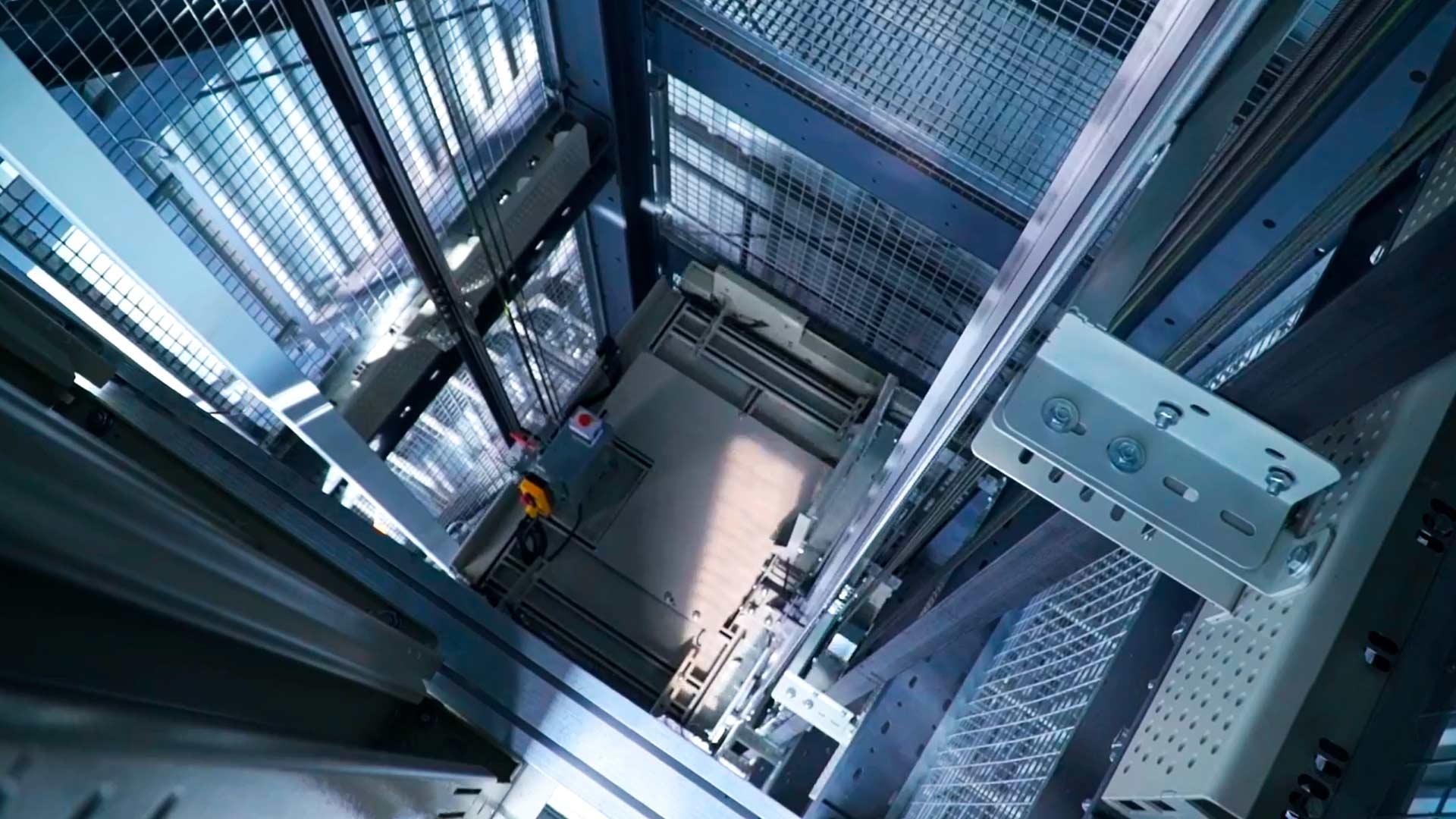 modernización-ascensores-actualización-elevadores-embarba-maquinaria-1