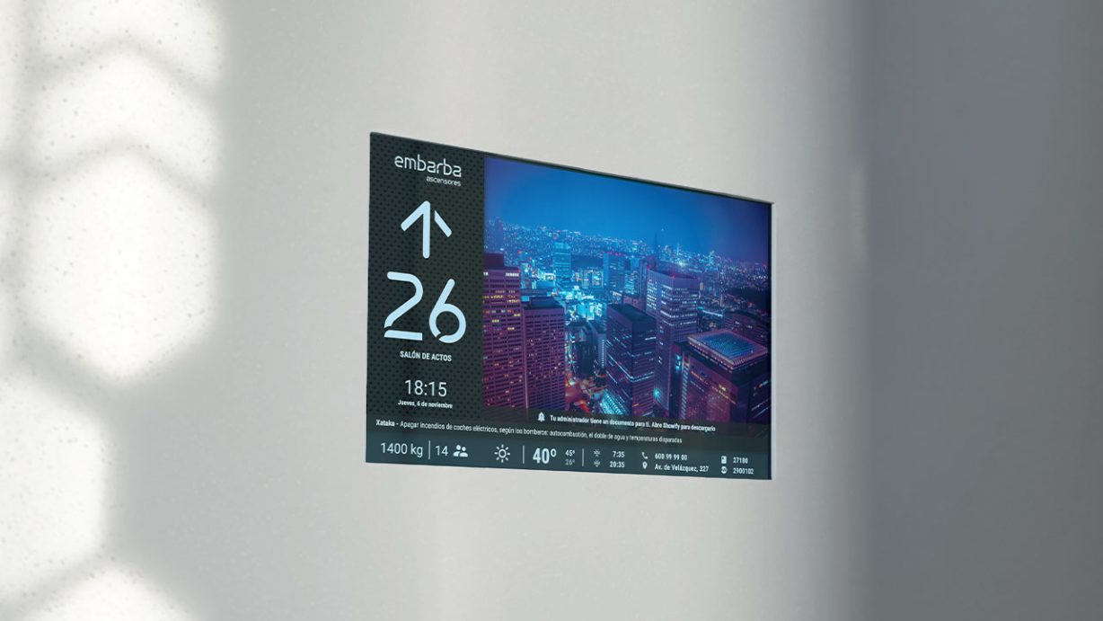 pantalla-elevador-display-showify-embarba-copia-1228×691