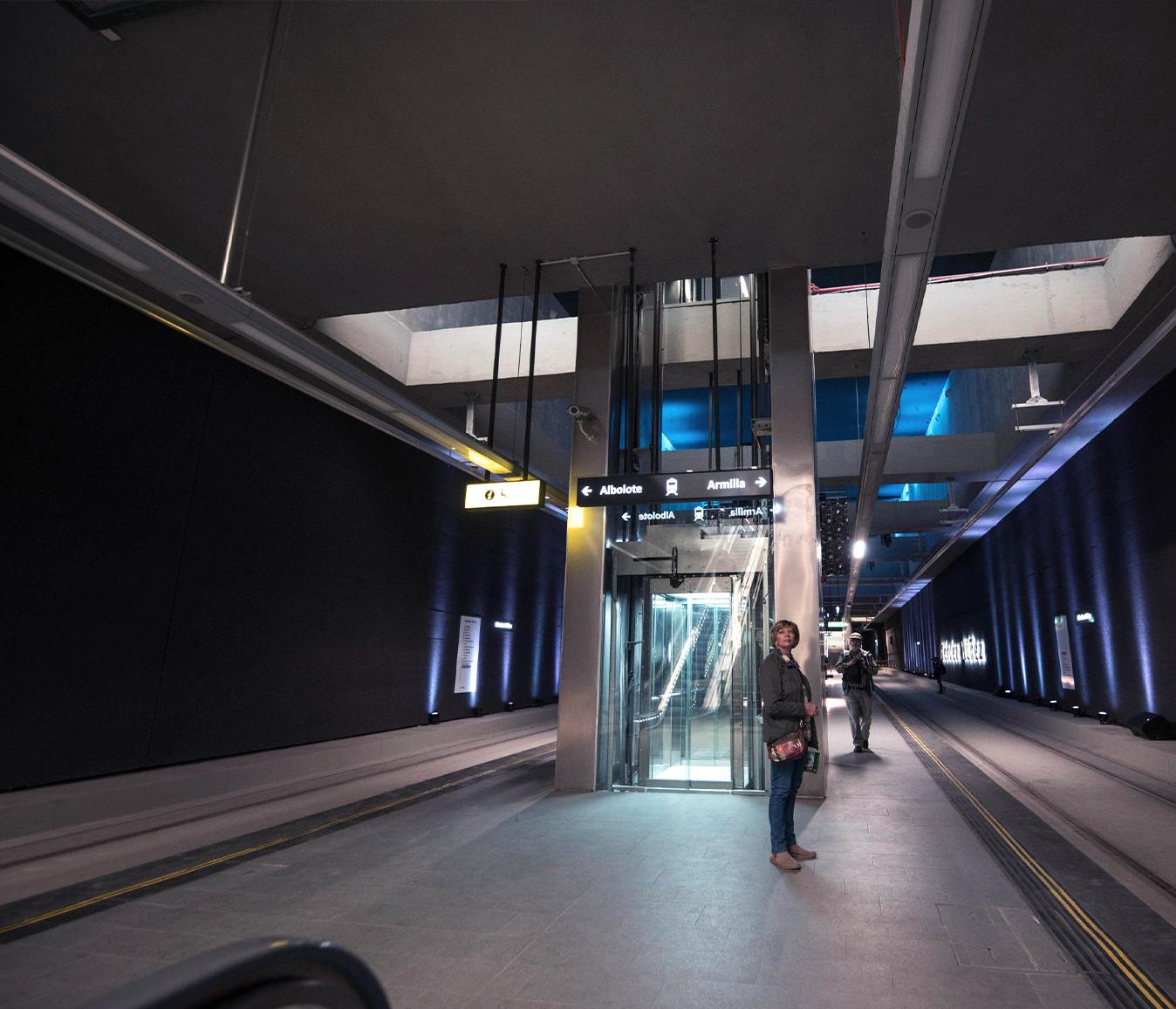 UNDERGROUND-cabin-paragon-lift-embarba-paragon-1