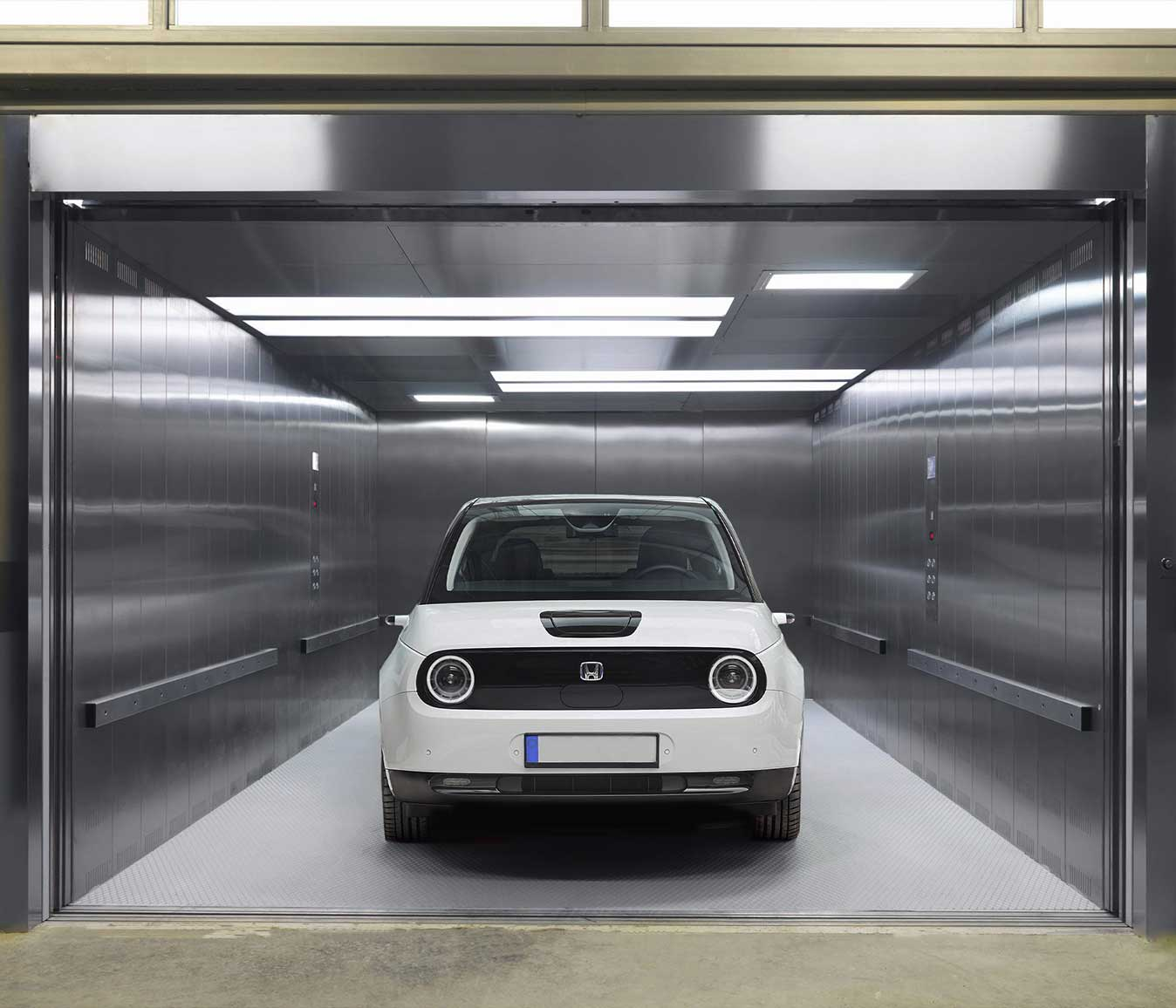 car-cabin-paragon-lift-embarba-paragon-elevator-1