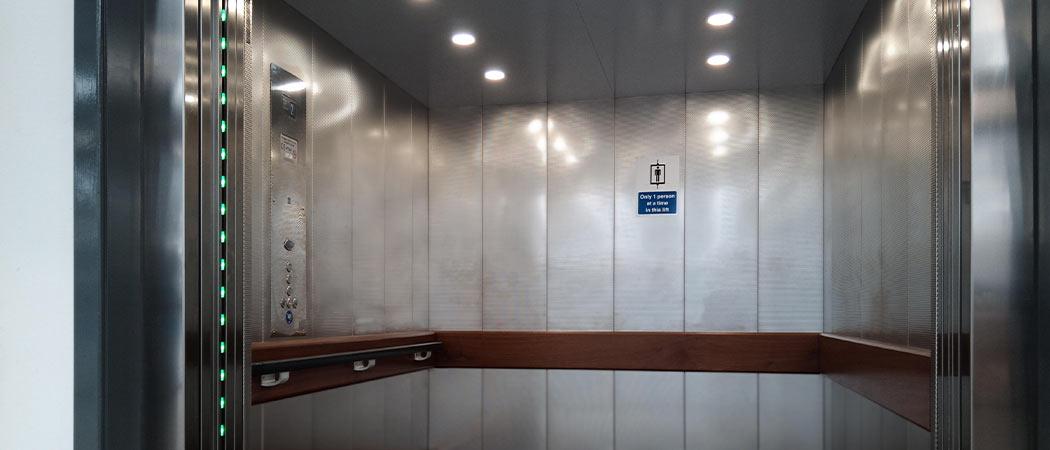 embarba-paragon-lift-installation-flat-cabin-inside