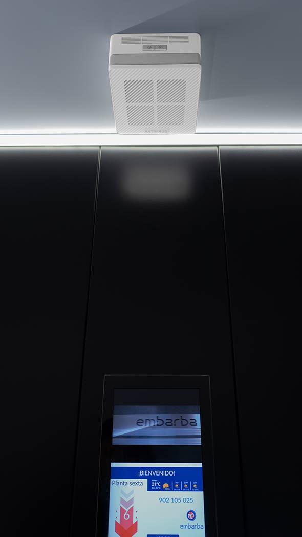 embarba-ascensores-desinfeccion-aire-cabina-Mesa-de-trabajo-1pantalla-590×1048